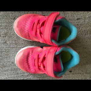 Baby Girl Nike Size 6